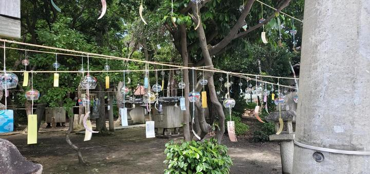 Wind chimes in the precincts