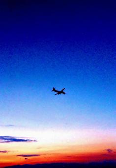Sky wallpaper 13 Evening sky airplane