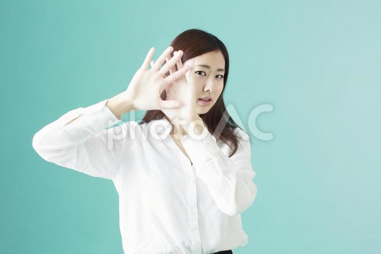 拒絶する女性の写真