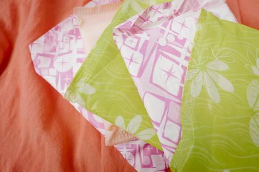 Colorful sanitary napkin 9