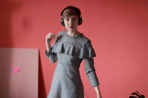 Foreigner model 6 enjoying music