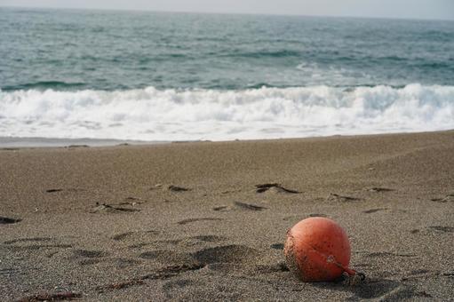봄의 해변의 경치 오렌지 뜨는 1