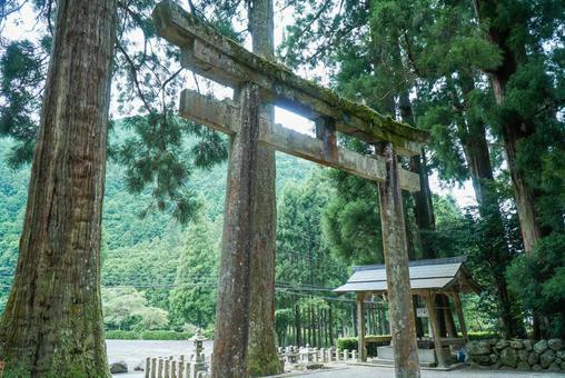 室岳神社鳥居
