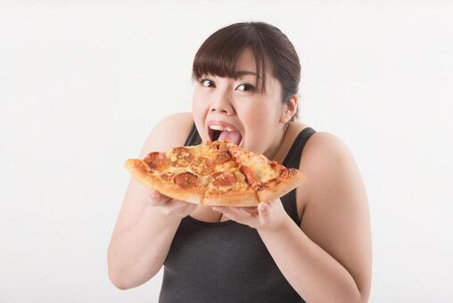 Women who eat pizza 2