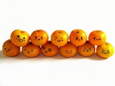 Pyramid of cute oranges 02