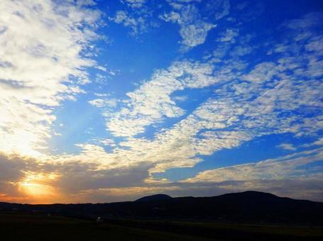 日落的早晨的太陽