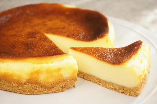 Homemade baked cheesecake
