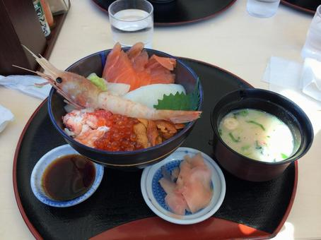 Seafood bowl in Hokkaido