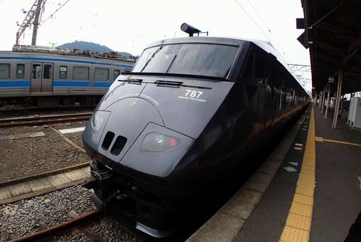 JR Kyushu 787