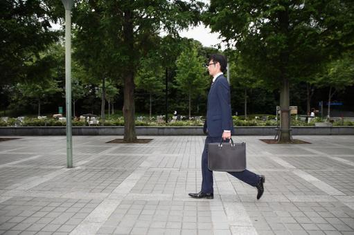 걷는 사업가 8