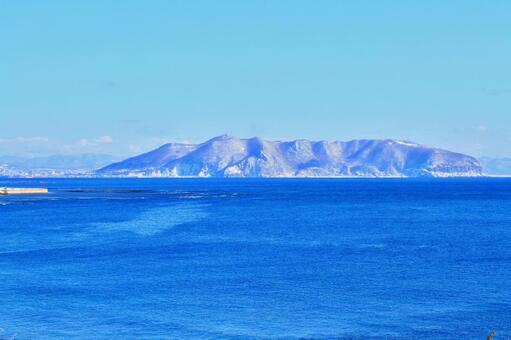 Mt. Hakodate in winter