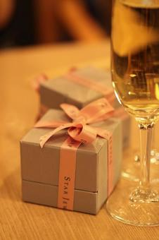 Champagne and jewelry box