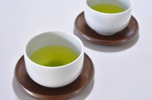 Tea · 2 pieces (background white)