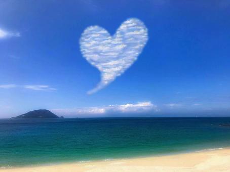 Blue sky and heart cloud