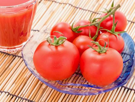 Tomato and tomato juice image