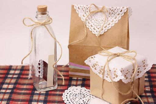 Kraft paper gift and bottle 3