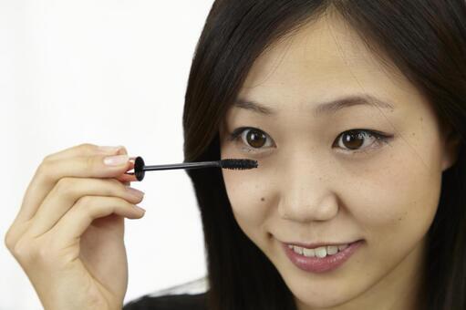 婦女粉刷睫毛膏12