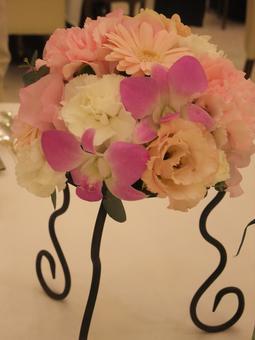 Wedding desktop flowers