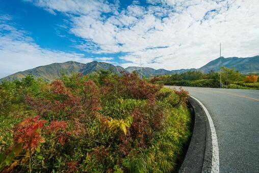 다테야마 고원 버스에서 히다 산맥의 풍경