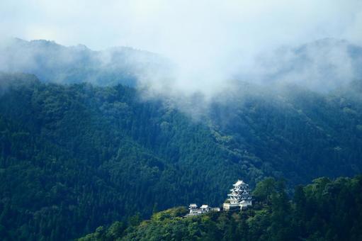 Gujo Hachimanjo castle in the sky