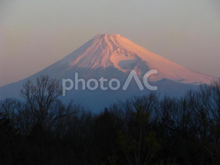 朝焼けの富士山の写真