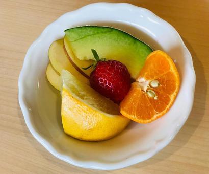 과일 플래터 귤 자몽 딸기 멜론 사과 음식