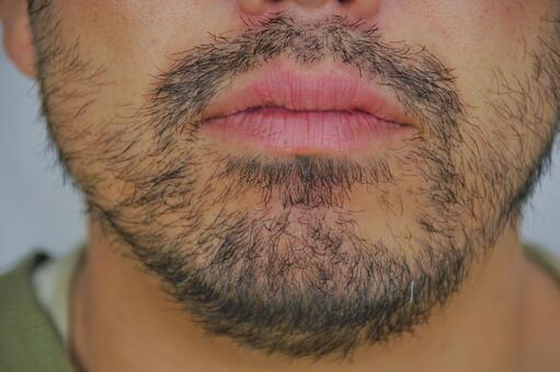 ひげ 顎 小顎