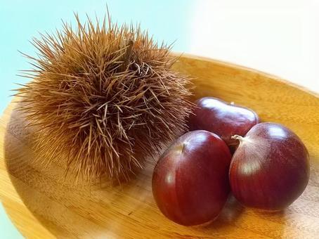 Igaguri and three chestnuts
