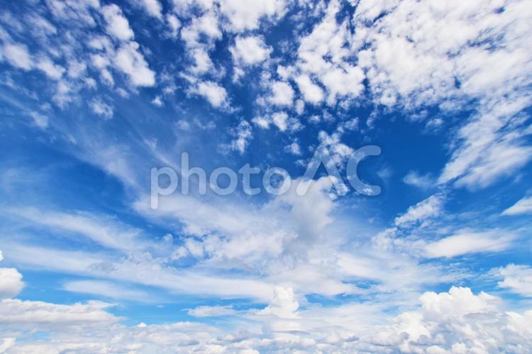 青空と雲 0701の写真