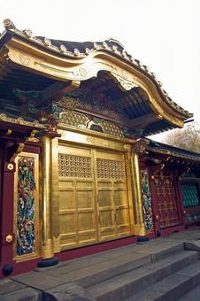 """Nippori, Yanaka, Ueno Tokyo Bottom Stroll Walking """"Ueno Toshogu Shrine and Tamen Gate"""""""
