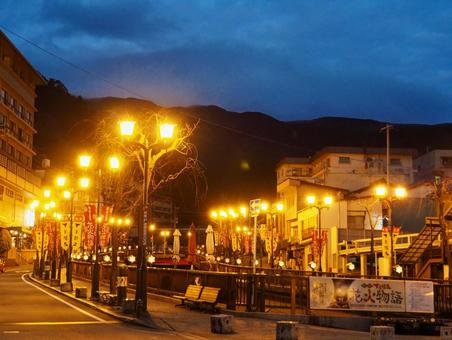 Night gero hot spring town