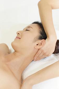 Head spa beauty treatment salon image