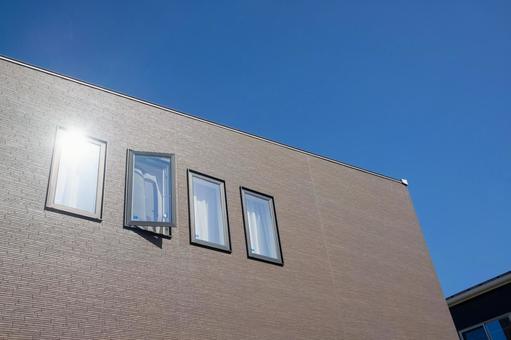 현대 창문이있는 집