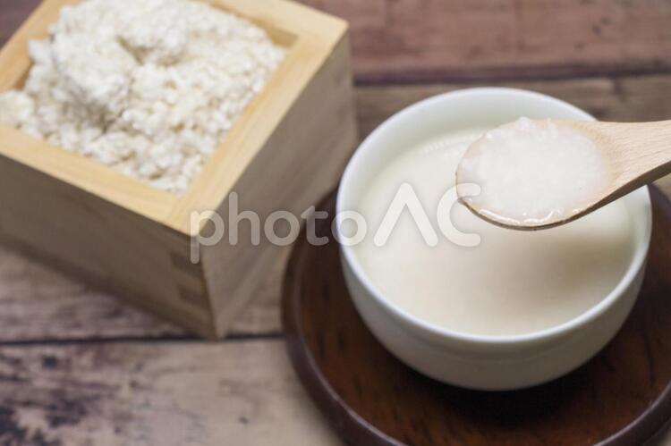 甘酒と米麹の写真