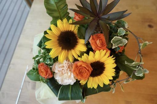 [Flowers] Bouquet Present Gift Sunflower Mini Rose Carnation Celebration