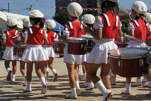 A drum fighter of the athletic meet 1