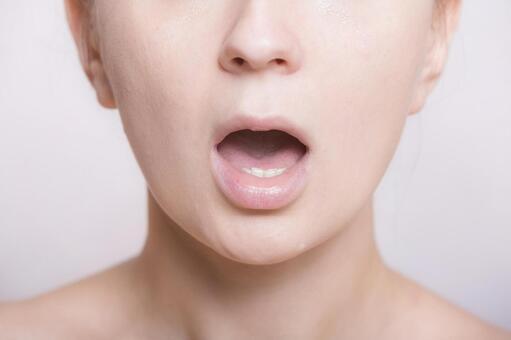 여성의 입가 2