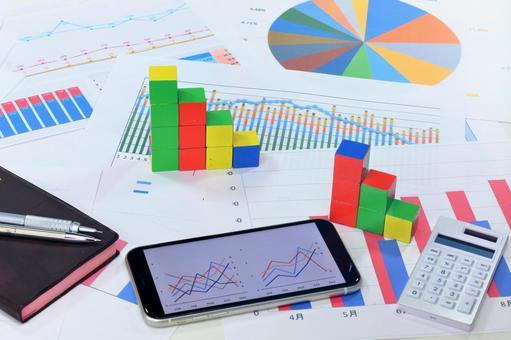 商業形象 # 245 智能手機和圖表