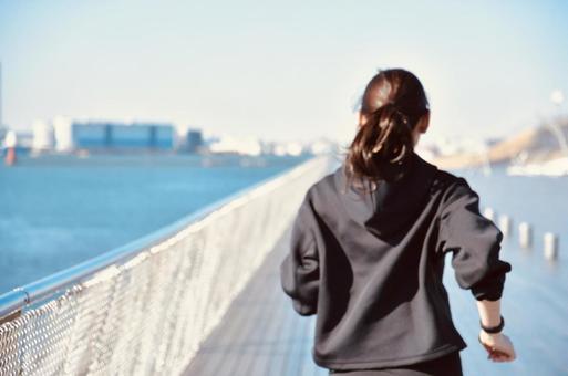 Female jogging diet image
