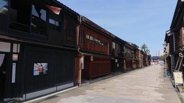 가나자와로 차야 가나자와의 운치있는 거리 풍경