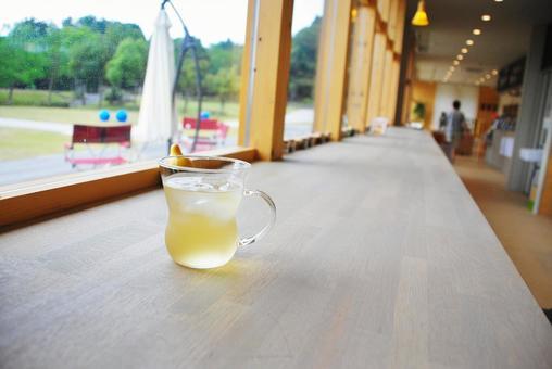 Cafe counter herbal tea 2