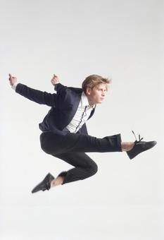 Male dancer who decides pose 7