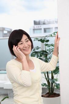 高級女子5手機通話
