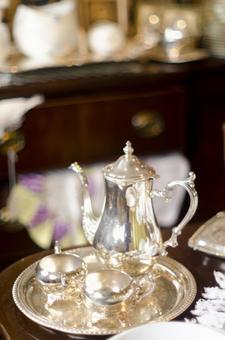 Antique tableware 3