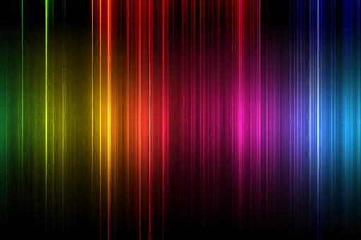 彩虹色的光在條紋中閃耀