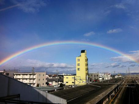 Rainbow and blue sky (Shiojiri Station, Shiojiri City, Nagano Prefecture)