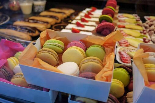 Authentic French macaroons