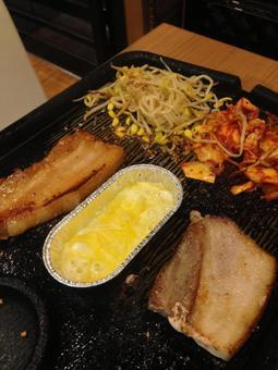 Korean food samgyeopsal