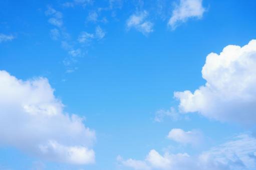 藍天白雲標題空間可用天空背景素材