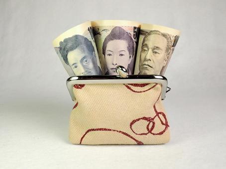 지갑에 지폐 이미지 1